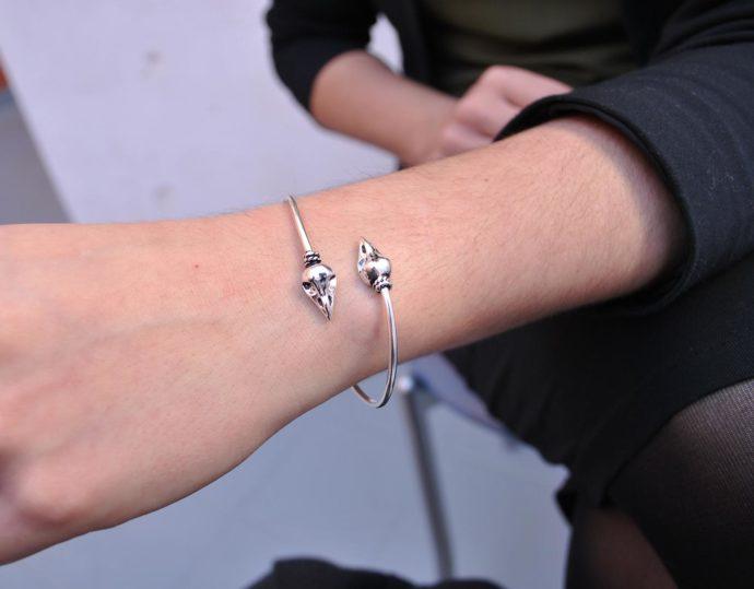 skull bracelet model