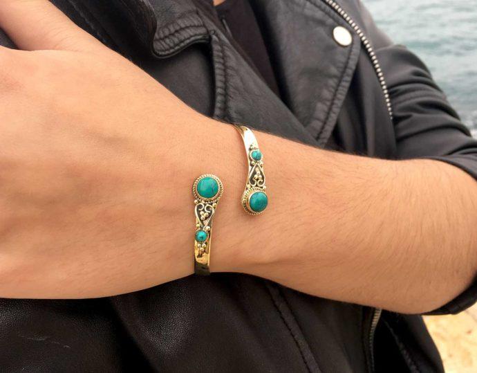 bracelet model