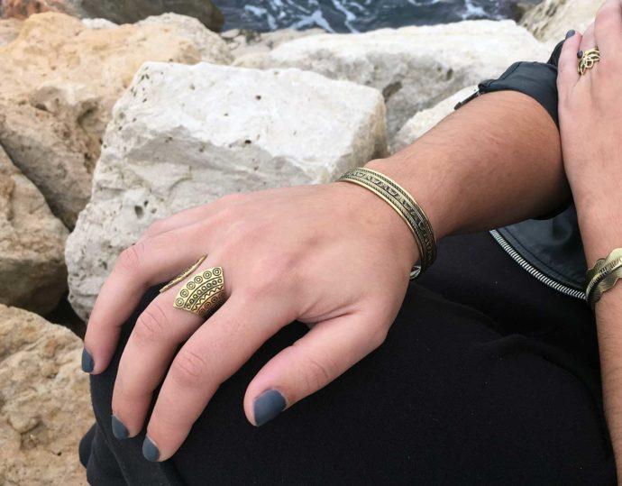 Ethnic model ring