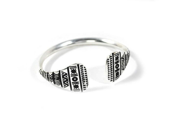 rigid silver bracelet