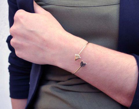 arrow bracelet model