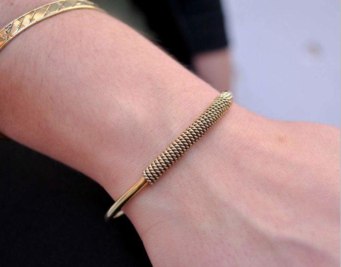 pulsera cordon modelo
