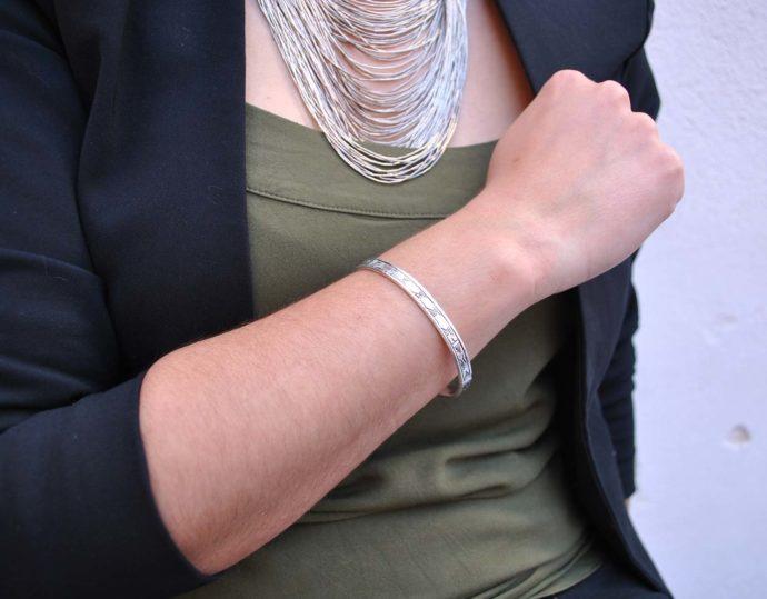 silver bracelet model