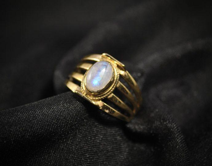 brass-gemstone-ring