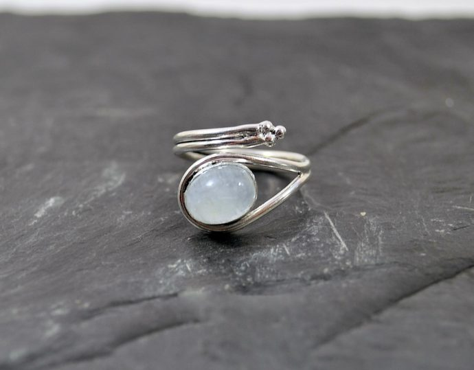 piedra luna anillo