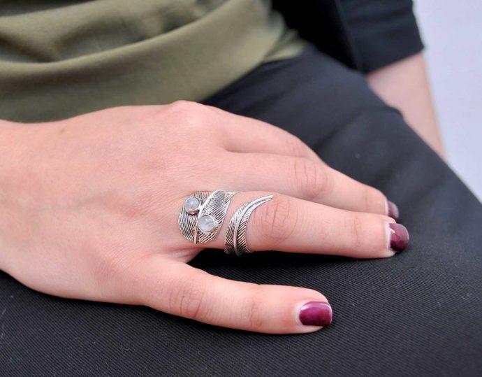 anillo piedra luna