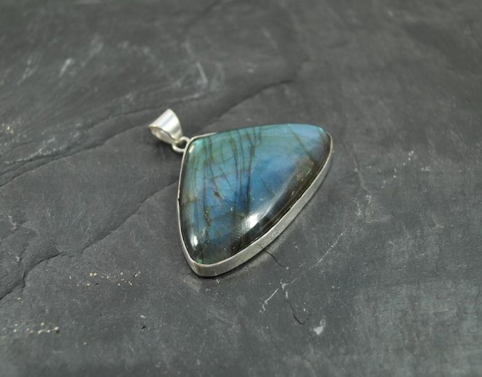 silver labradorite pendant