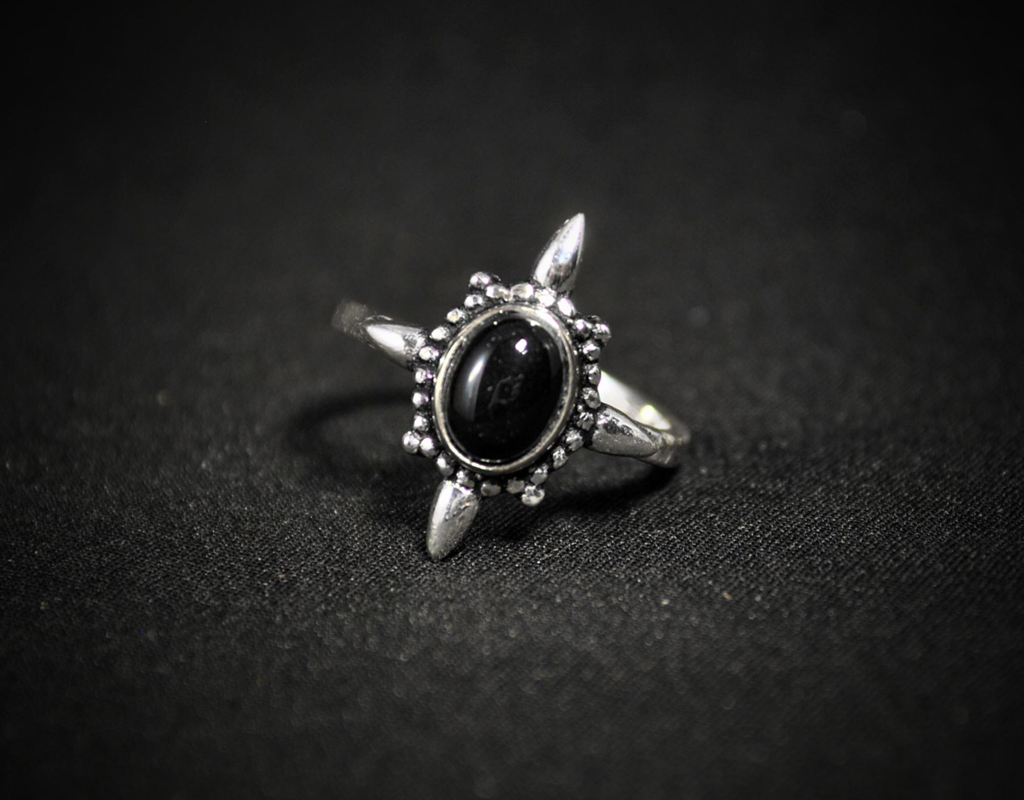 onix silver ring
